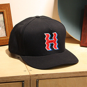 [허프] CROOKED H SNAPBACK (BLACK) - HFHT51008BLK [허프 HUF 스냅백/모자]